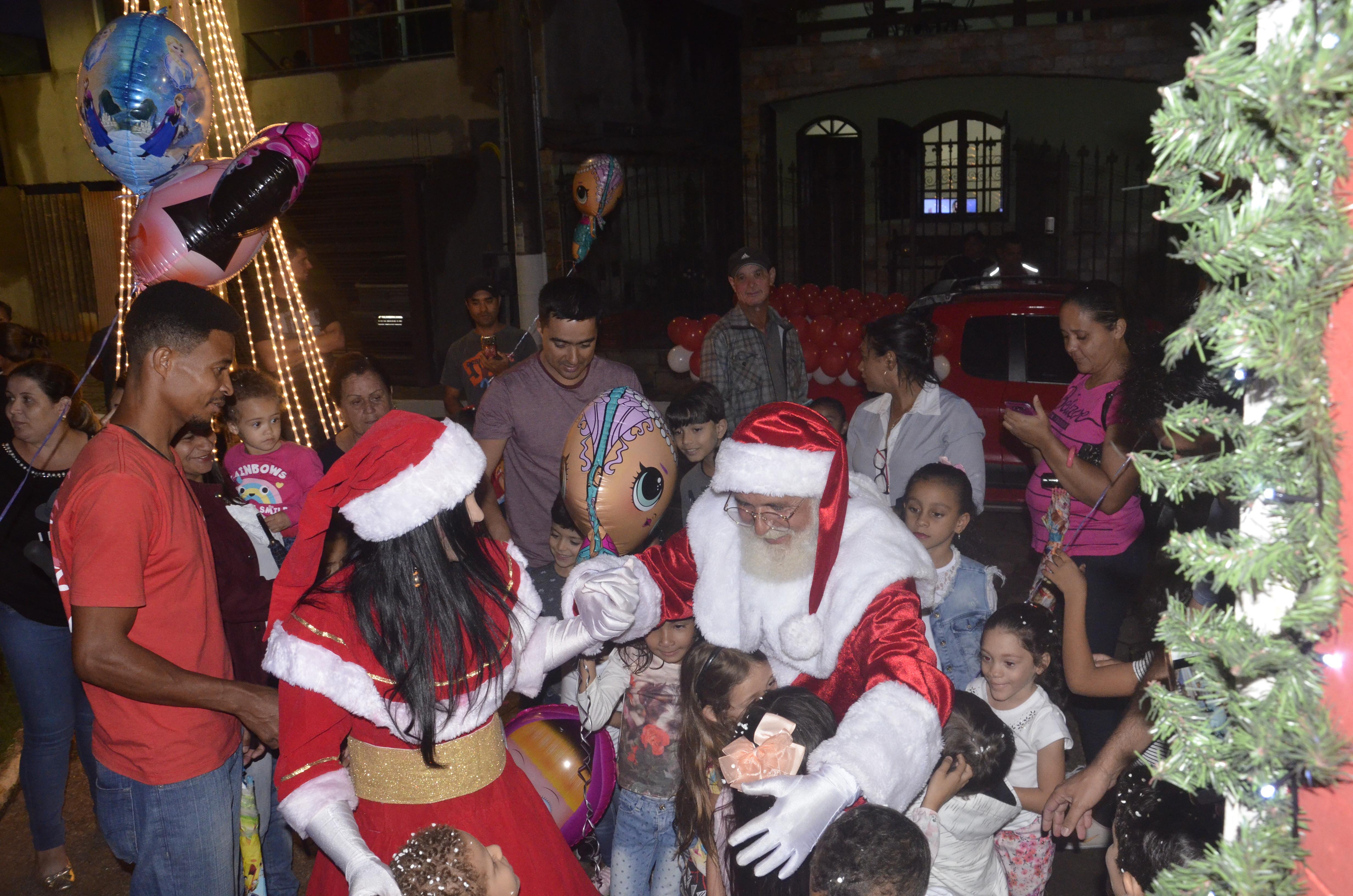 A Rena Mais Famosa Do Papai Noel papai noel chega a são gonçalo amanhã  o popular